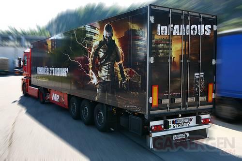 camion infamous sur la route affiche