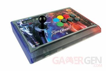 SoulCalibur-V-MadCatz-Arcade-Fightstick-Soul-Edition-Image-021211-01