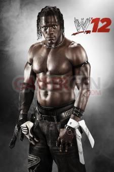 WWE-12_18-08-2011_art-2
